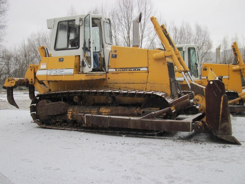 LIEBHERR 732 22t. buldozeris vikšrinis 1val. kaina be PVM 160lt./47eur.